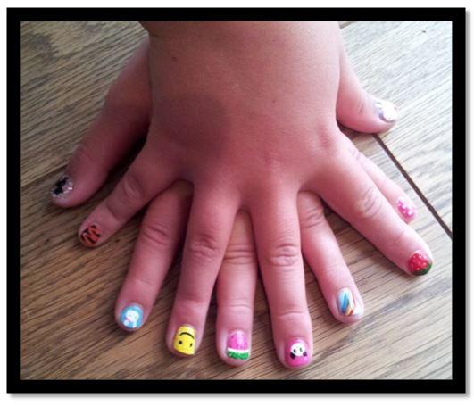 como pintar uñas de niñas